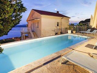 Villa Marija - Ferienhaus mit Pool und wunderschonem Blick auf das Meer, Garten