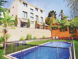 5 bedroom accommodation in Calella