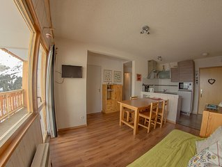 At the heart of the 3 Valleys: 2 stars renovated, all comfort, 4 to 5 people