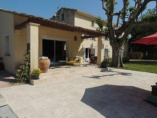 Aubignan en campagne,Mas provencal avec piscine , 3 chambres doubles