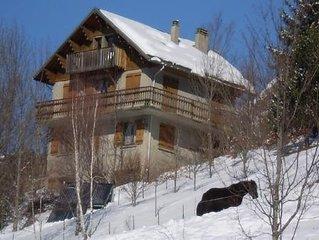 Dans un chalet:Grand appartement 3 pieces - 72 m2 ;calme et proche du village