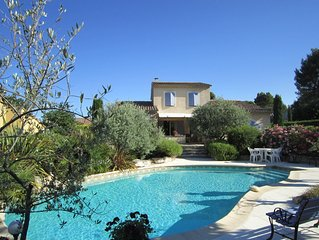 Provençal house 125m2, private pool + garden, quiet, 1km ctre Vaison, facing so