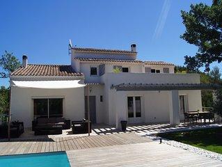 Villa contemporaine avec Piscine face a la Ste Victoire 20 d' Aix ou Cassis