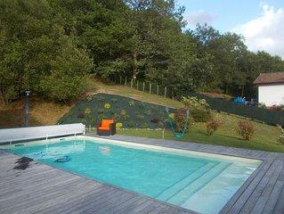 MAISON INDIVIDUELLE 200 m2 5000 m2 terrain  avec piscine
