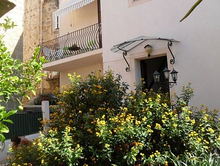 Apartment 150 m2 for 8 people with private entrance and private garden