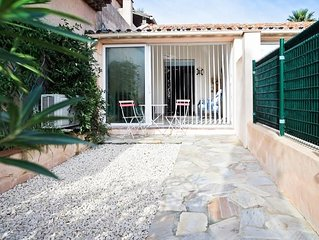 Small house near immediate beach / 7 pers -