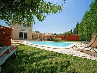 Villa climatisee, piscine, au calme, en Provence 7 mn d'Avignon 8km gare TGV