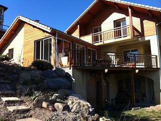 Embrun recent house 8-10 people with beautiful lake views & mountain