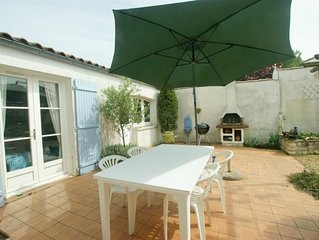 HOLIDAY HOME IN LA FLOTTE IN A QUIET AREA FOR UP TO 6 PEOPLE