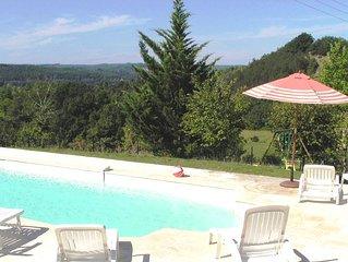 Coeur Perigord Noir, maison en pierre proche  Sarlat, piscine  calme et reposant