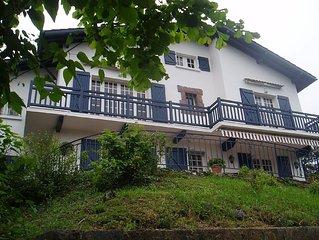 Sur hauteurs St Jean de Luz, belle villa plein Sud 10 pers au calme dans verdure
