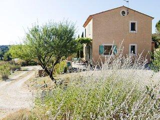 Maison provençale à Goult avec piscine, vue sur le Luberon, peut accueillir 5 p