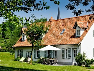 The Noyers lodging is a traditional South oriented country house