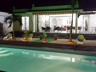 Superbe villa 3ch climatisees, piscine privee, Free Wifi, espace jeu