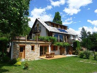 Bel appart, calme, RD-jardin de villa, terrasse, superbe vue lac Serre-Ponçon