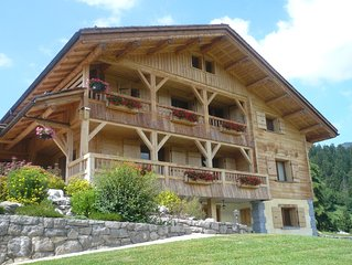 Le Grand-Bornand, in chalet, comfortable apartment, located south.