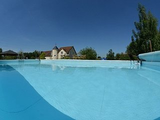 Le Clos de la Bodice holiday cottage for 12-15 people, 7 bedrooms, with Jacuzzi