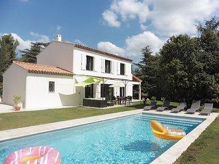 Très belle villa, récente avec piscine