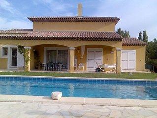 villa avec piscine la moutonne proche HYERES