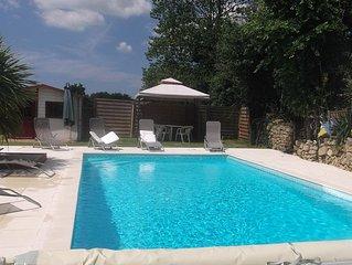 Chaleureuse villa familiale proche mer piscine couverte chauffee