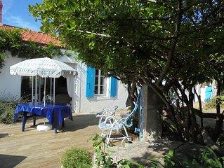 Maison de pays renovee de  70 M2 environ avec jardin clos