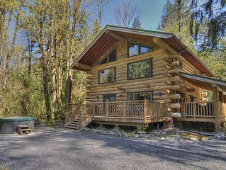 Magnificent Riverfront Log Home w Hot Tub, Secluded - June Special - 15% OFF