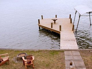 For The Moment - Comfortable Lakeside Cottage with Spectacular Views!