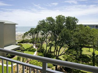 Charming 1 Bedroom Partial Ocean View Condo with a Private Balcony and Oceanfro