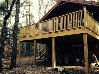 5 miles from mt. snow, 10 miles from stratton, near grout pond, pet friendly