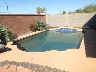 Private Pool & BBQ - 3 Bed 2 Bath & Den