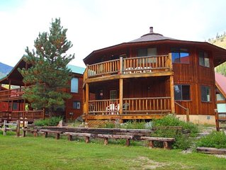Round Eagle - Unique Home on the River, Ski In/Out, Wrap-around Deck, Washer/Dr