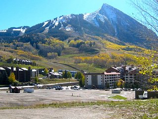 GREAT, AFFORDABLE Location In Mt Crested Butte~ 3 minute Walk to LIFT!!
