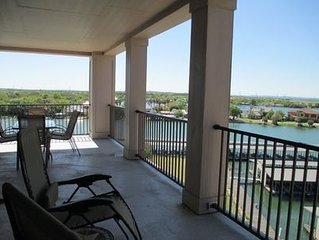 Captivating Corner condo with a 270 degree view of Lake LBJ
