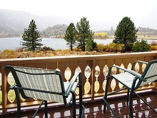 Spectacular View for Your Romantic One Bedroom and Bath Mountain Getaway