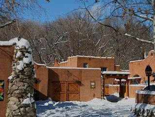 Casa Encantada 3 -Walk to town Hot Tub Private Fenced Patio