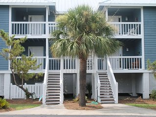 Newly remodeled 1st floor, Pet Friendly & High speed WiFI-No Hurricane Damage!!