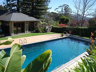 Superb location. Spacious, Open And inviting House With Pool/Sauna. Zip to SF