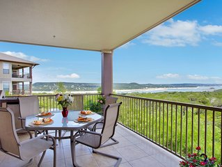 Hollows Resort Beautiful Villa, Great Lake Travis & Hill Country View