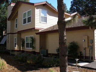 LARGE 3 BEDROOM HOME NEAR BASS LAKE AND YOSEMITE TUCKED IN WOODS