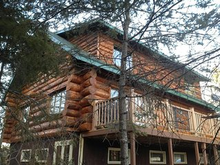 Cozy Log Home Pontoon Included  Sleeps 18