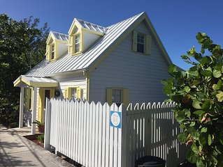 Charming Cottage Overlooking Hopetown Harbour With Private Dock