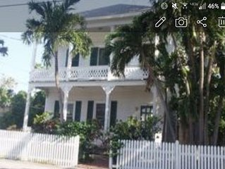 Beautifully restored large Conch home downtown