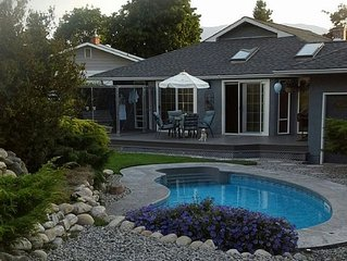 Haven in Penticton - 4 bdrm, pool, hot tub!