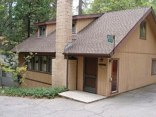 CUTE & COZY HOME IN WILLOW COVE - SHORT WALK TO PINES VILLAGE AND LAKE