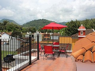 6 bedroom home In Central Antigua (Good for up to 14 people)