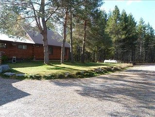 **Hopper Lodge** Stunning Lodge in the Forest on 5 Beautiful Acres