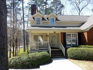Charming Reynolds Plantation Golf Cottage With Beautiful View!