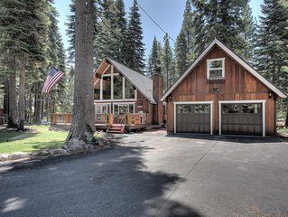 4 Bedroom Dog Friendly Cabin (Remodeled, Hot Tub, Walk to Beach)