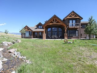 Rugged Montana Views With Amenity Rich Location And Refinement