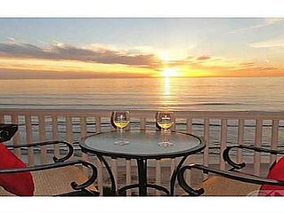 Luxury Beachfront Condo - Top Floor with Spa Amenities